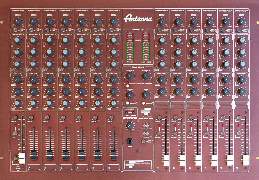 table de mixage freevox antenna